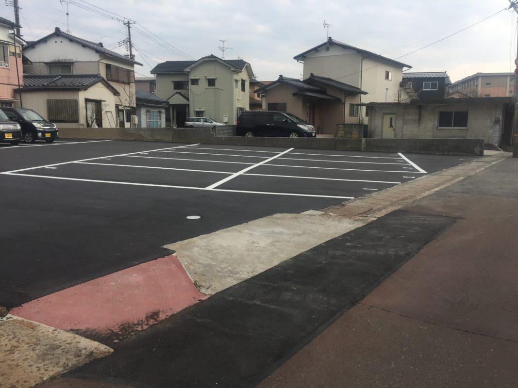 全10区画 舗装済 1と2は軽自動車専用区画です。